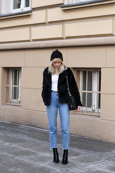 black H&M jacket - light blue Bershka jeans - black Zara bag