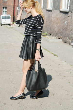 black Manzana bag - black c&a skirt - black second hand t-shirt