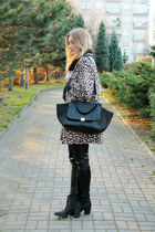 H&M coat - H&M shoes - etorebkapl bag - Zara pants