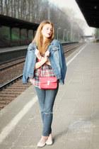 navy seond hand jeans - navy John Baner jacket - red vintedpl shirt