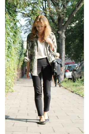 black H&M jeans - black Zara bag - white second hand top