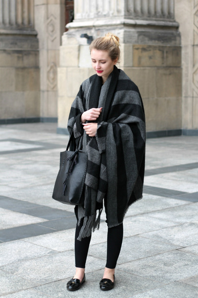 black Zara shoes - charcoal gray Bershka coat