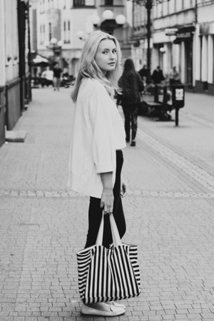 white Zara shoes - navy H&M jeans - navy Mango bag - white second hand top