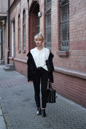 black H&M coat - black Bershka jeans - white second hand sweater
