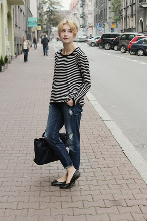 navy Gina Tricot  second hand jeans - black H&M second hand sweater