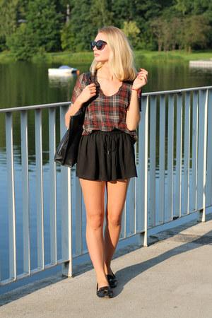 black Zara shoes - black Bershka bag - black Bershka shorts