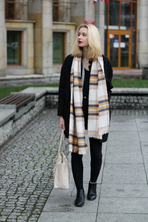 black Tally Weijl coat - light pink H&M scarf - light pink Michael Kors bag