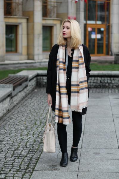 black Tally Weijl coat - light pink H&M scarf - light pink Michael Kors bag