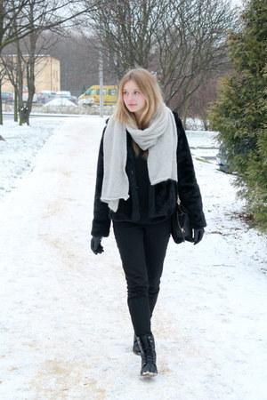 black H&M jacket - silver H&M scarf - black Zara bag