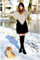 black Zara boots - black Zara dress - light pink fake fur Zara scarf