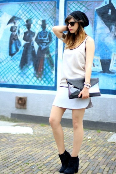 black asos boots - cream color blocking Sugarlips dress - black Bershka bag