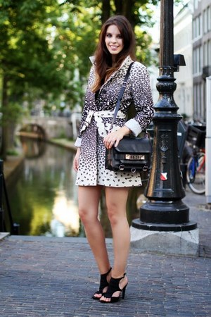 beige animal print desigual coat - black leather PROENZA SCHOULER bag