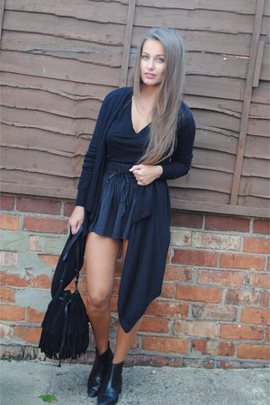 black Zara boots - black Mango bag - black Zara shorts - black Topshop t-shirt