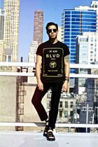 black BLVD Supply t-shirt - black Dr Martens sandals