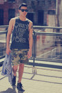 Charcoal-gray-clarks-boots-olive-green-obey-shorts-black-ray-ban-sunglasses