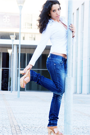Local store jeans - united colors of benetton blouse - Parfois heels