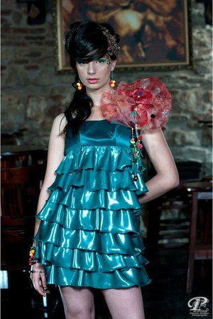 green Stefanias treny look dress