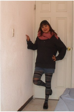 pink handmade scarf - dark gray Artesanal shoes - charcoal gray Old Navy sweater
