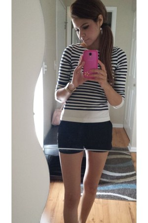 Forever 21 shorts - H&M top