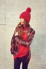 Black-nothland-jeans-red-northland-hat-kingkong-shirt