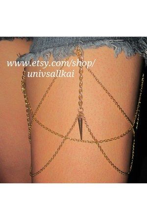 mustard thigh chain accessories