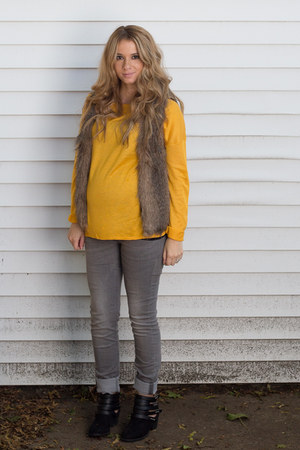 heather gray maternity jeans H&M jeans - black cut out boots