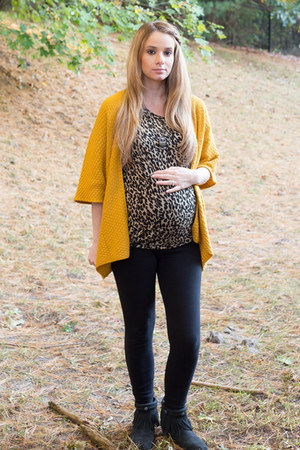 brown dolman Forever 21 blouse - black mocassin boots