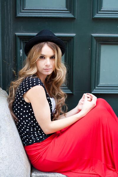 maxi skirt skirt - fedora hat - polka dot vest - owl necklace - sandals