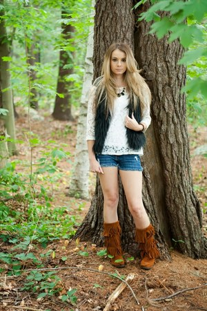 black faux fur vest - cuffed shorts - white lace top - black necklace