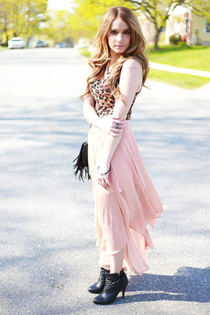 chiffon skirt - booties boots - fringe bag - leopard top - vintage necklace