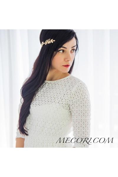 Mecori hair accessory