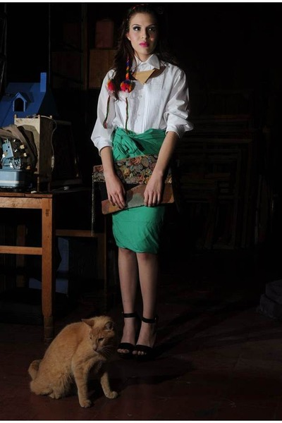 eggshell pleated vintage shirt - green as a skirt Bershka shirt