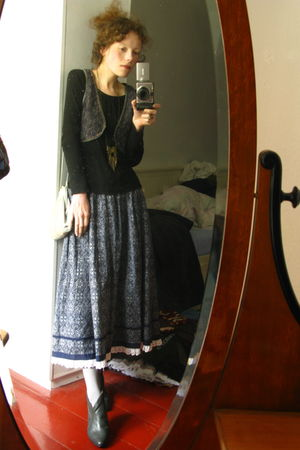second handthrift shop shirt - second handeBay vest - vintagethrift shop skirt -