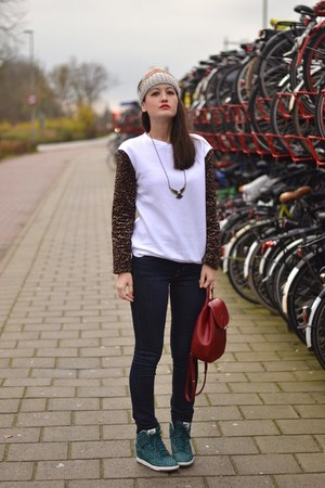 red longchamp bag - blue denim J Brand jeans - white leopard asos jumper