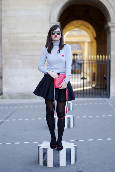 Black-and-red-h-m-shoes-red-h-m-bag-black-neoprene-h-m-skirt