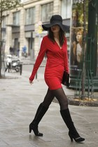 red Hedonia dress - black suede Chie Mihara boots - black H&M hat