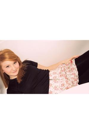 pink Talula Aritzia skirt - black American Apparel t-shirt - black vintage leggi