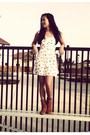Beige-floral-forever-21-dress-tawny-steve-madden-boots