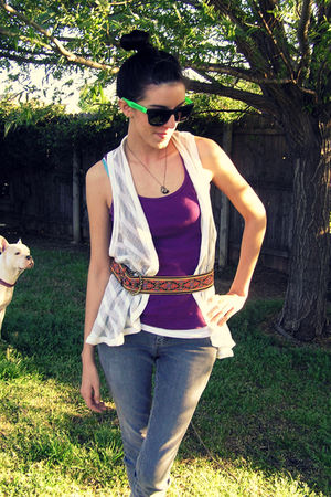 white vest - purple top - gray Hydraulic jeans - gray TOMS shoes - red Goodwill