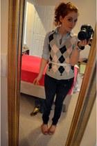 heather gray Tommy Hilfiger vest - black Forever 21 jeans
