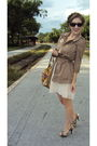 Brown-juicy-couture-jacket-pink-h-m-dress-brown-kathy-van-zeeland-bag-beig