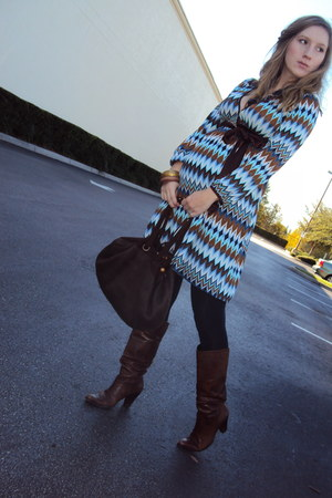 Nine West boots - Sculptz tights - Old Navy bag - my creation necklace