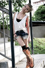 Gray-diy-intimate-white-rvca-top-blue-levis-shorts-orange-shnaghai-shoes-