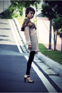 Tan-topshop-shoes-black-velvet-gap-leggings-camel-floral-cape-sellingonmyblo