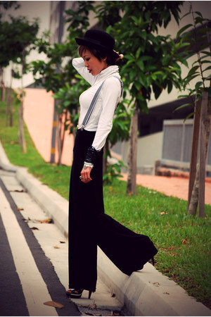 white turtleneck Zara top - black flair SellingOnMyBlog pants - black Aldo heels