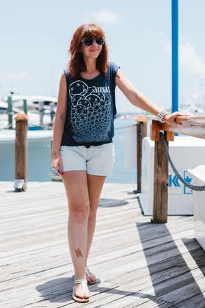 navy H&M t-shirt - light blue boyfriend Old Navy shorts