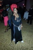 violet chain thrifted belt - white June Ambrose boots - black shirt - H&M purse