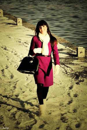 hot pink celyn b coat - white Gucci boots - white unknown brand accessories - bl