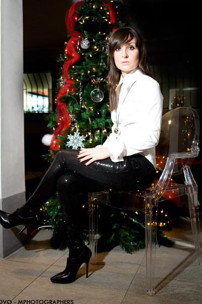 black Zara leggings - white Walter Voulaz shirt - black Jimmy Choo shoes - silve