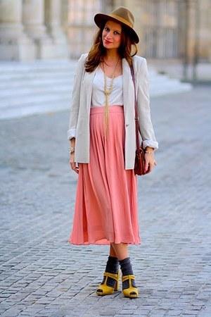 Zara jacket - Comptoir des Cotonniers hat - H&M skirt - H&M heels